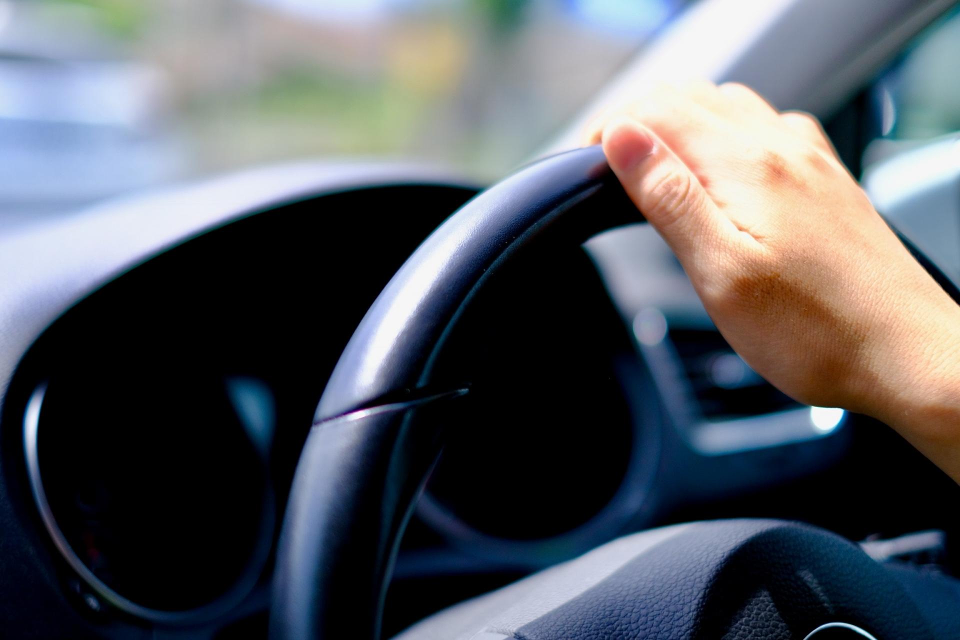 レンタカーの車内高温注意